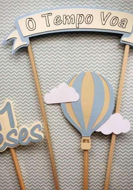 60. Use plaquinhas divertidas para que os convidados da festinha possam tirar fotos – Foto: Neu dekoration stile