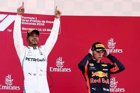 """Webber crava Hamilton e Verstappen como """"os melhores pilotos do mundo"""""""