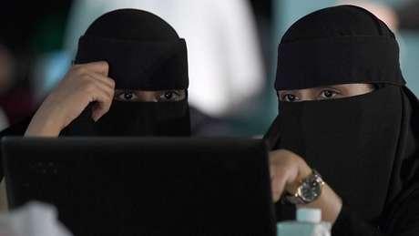 A Arábia Saudita, cuja legislação é notoriamente repressiva em relação às mulheres, ocupa a última posição da lista, com uma pontuação de 25,6%