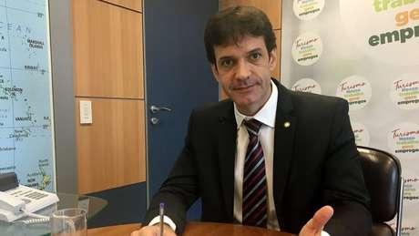 Ministro do Turismo do governo Bolsonaro, Marcelo Álvaro Antônio é investigado por esquema de candidatas laranjas que o teria beneficiado na eleição de 2018, quando era presidente do PSL de Minas Gerais e candidato a deputado federal