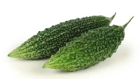 Os okinawanos gostam de verduras e legumes como o melão-amargo