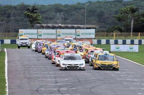 Hot Car reposiciona participação no automobilismo nacional com foco na Stock Car e Endurance