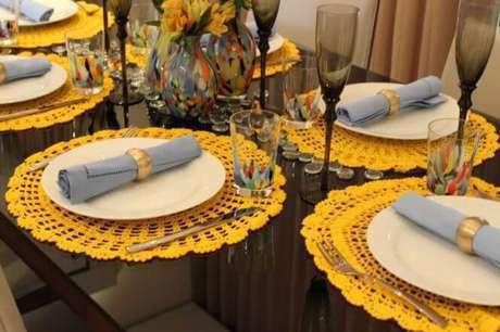 5. A cor amarela pode ser combinada com outros elementos coloridos, trazendo descontração.