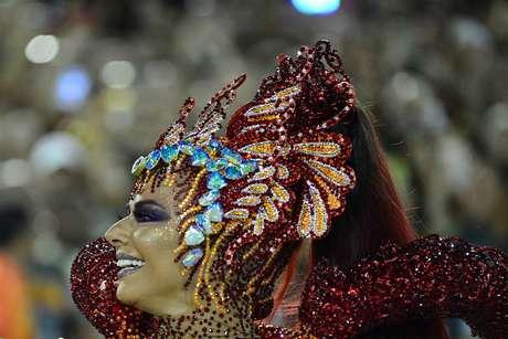 Viviane Araújo em ação pela Salgueiro no Desfile das Campeãs