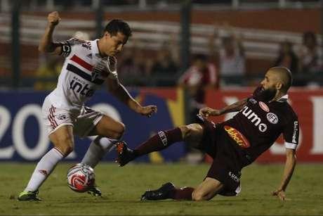 Hernanes marcou o gol são-paulino (Foto: Ricardo Moreira/Fotoarena/Lancepress!)
