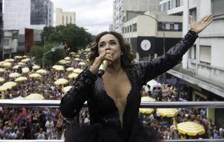 Daniela Mercury se apresenta em camarote na Parada do Orgulho LGBT 2019 em São Paulo.