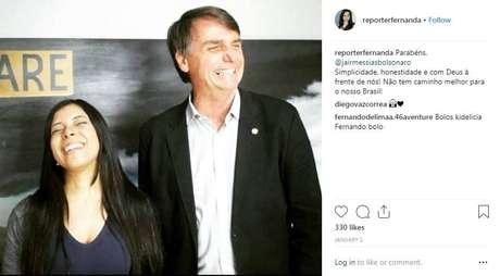 Fernanda Salles, que assinou texto com informações falsas sobre repórter do 'Estado', e o presidente Jair Bolsonaro, em foto publicada nas redes sociais