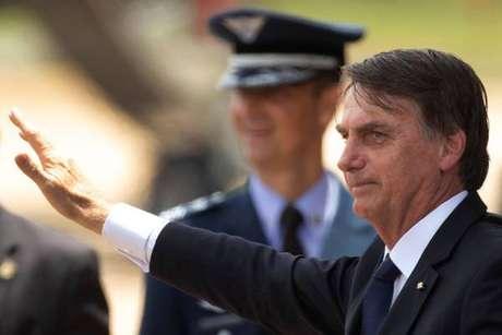 Em nova polêmica, Bolsonaro usa fake news contra imprensa