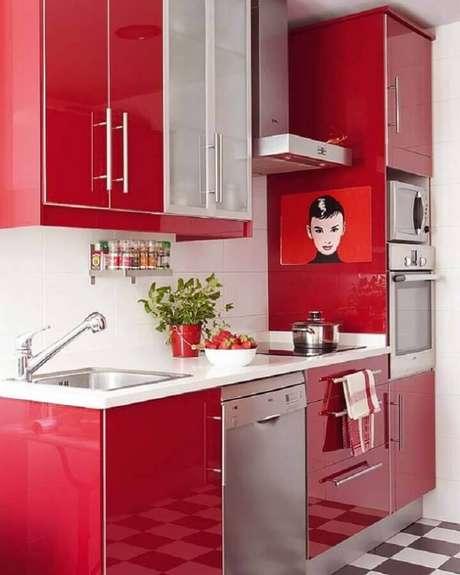 21. A decoração em tons de vermelho pode ser usada em vários ambientes da casa – Foto: Arquitrecos