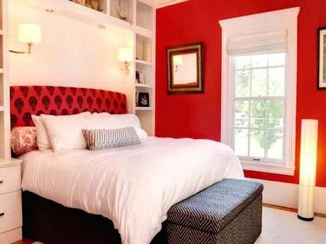 58. Tons de vermelho funcionam super bem para a decoração de ambientes amplos – Foto: Homedidecoirt