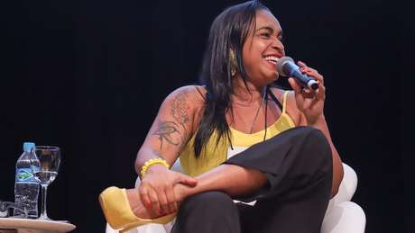 Professora de escola da periferia de Belém do Pará foi escolhida a melhor do Brasil por projeto que ressalta papel do negro na sociedade
