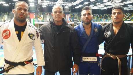 Marcos Junior, Rogério Gavazza (Presidente da FJJD-Rio), Talles Vieira e Igor Lins em Londres (Foto: Reprodução)