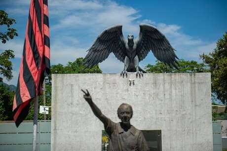 Fachada do centro de treinamento presidente George Helal, popularmente conhecido como Ninho do Urubu, ou ainda CT da Vargem Grande