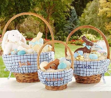 13. A cesta de páscoa bem decorada é uma ótima ideia de presente para essa época do ano – Foto: Air Freshener