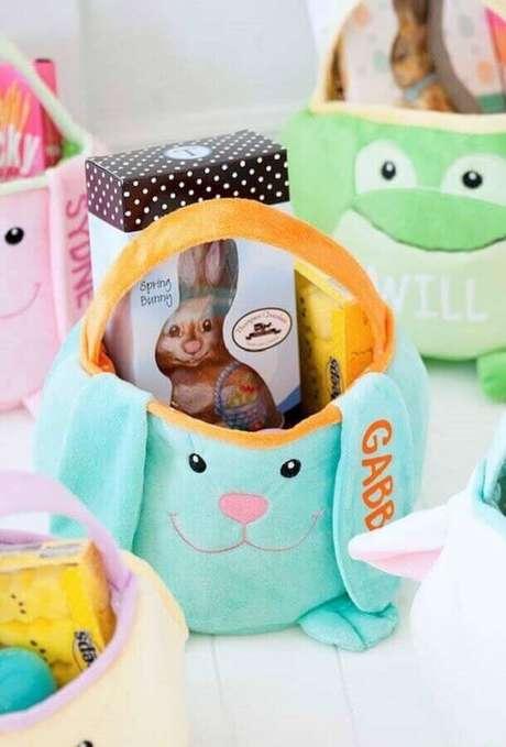 31. Cesta de páscoa em formato de coelho como ideias para páscoa decorada – Foto: Pinterest