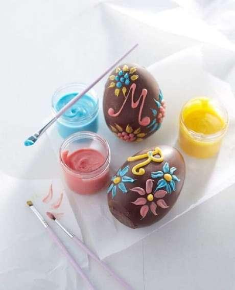 41. Saiba como fazer ovo de páscoa e deixe os seus presentes mais personalizados – Foto: Pinterest