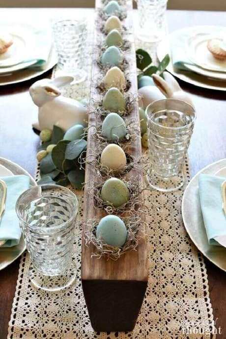 52. Decoração com detalhes rústico para mesa de páscoa – Foto: Country Living Magazine