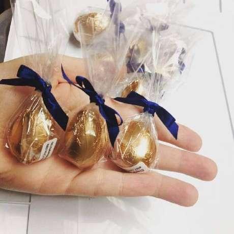 64. O ovo de páscoa pequeno também é uma ideia interessante de lembrancinhas de páscoa – Foto: Pinterest