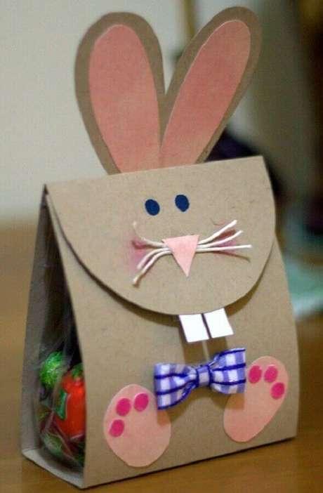 68. Modelo de embalagem para lembrancinhas de páscoa simples – Foto: Professora Juce