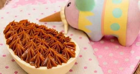2. O ovo de páscoa de colher é uma tendência que todo mundo adora