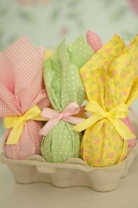 87. A embalagem do ovo de páscoa precisa ser escolhida com carinho para deixar as lembrancinhas de páscoa ainda mais bonita – Foto: Agesci Marche