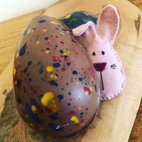8. As crianças adoram receber ovo de páscoa com brinquedos dentro – Foto: Pinterest