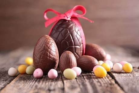 1. A troca de ovo de páscoa é algo que agrada tanto adultos quanto crianças – Foto: MdeMulher
