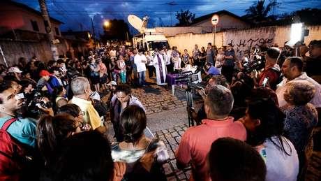 'Tipicamente, a cobertura da mídia é centrada no atirador, em vez de focar nas vítimas ou nos heróis que responderam ao ataque', diz Schildkraut à BBC News Brasil