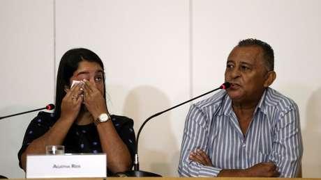 Na casa de Agatha Arnaus Reis (à esq.), a vida mudou completamente após a morte de seu marido, Anderson Pedro Gomes aos 39 anos