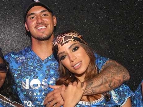 'Posso não responder?', disse Anitta ao ser questionada sobre seu relacionamento com Medina