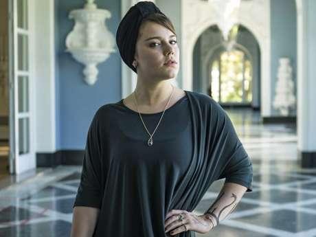 Para a chefe de caracterização, Gilvete Santos, o visual de Dalila (Alice Wegmann) é o mais elaborado da novela 'Órfãos da Terra'.