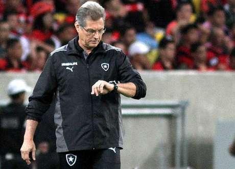 Oswaldo de Oliveira treinou o Botafogo entre 2012 e 2013 (Foto: Vitor Silva/SSPress)