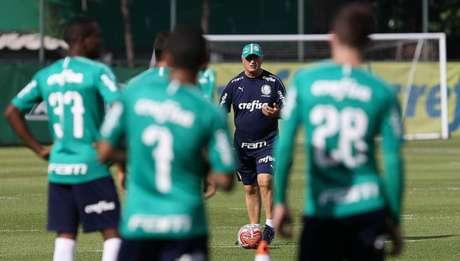 Felipão comanda treino na Academia de Futebol (Foto: Agência Palmeiras/Divulgação)