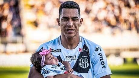 Igor Henrique quer uma grande apresentação da Ponte Preta contra o Guarani (Foto: Divulgação/Ponte Preta)