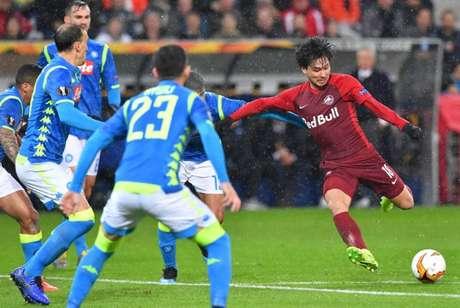 Napoli leva virada do Salzburg, mas vai às oitavas da Liga Europa (Foto: AFP)