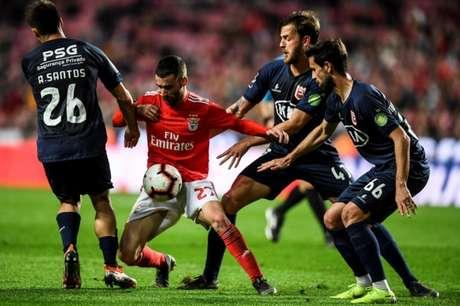 Na prorrogação, Benfica derrota o Zagreb e avança na Liga Europa (Foto: PATRICIA DE MELO MOREIRA / AFP)