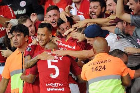 Nico López, do Internacional, comemora seu gol na partida contra o Alianza Lima (PER), válida pela 2ª rodada do Grupo A da Copa Libertadores 2019, no Estádio Beira-Rio, em Porto Alegre (RS), nesta quarta-feira, 13.