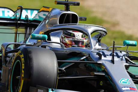 """GP da Austrália: Lewis Hamilton lidera """"apertado"""" o primeiro treino da temporada em Melbourne"""