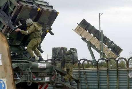 Israel e Hamas acertam cessar-fogo com mediação do Egito