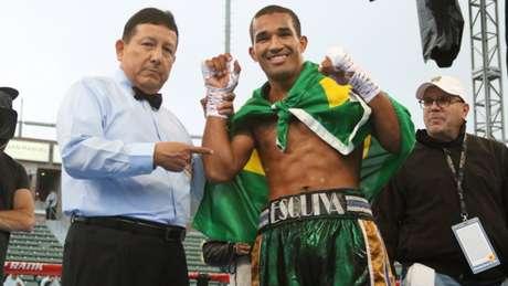 Esquiva segue em ascensão e fará sua próxima luta dia 31 deste mês, no Rio de Janeiro (Foto: Divulgação)
