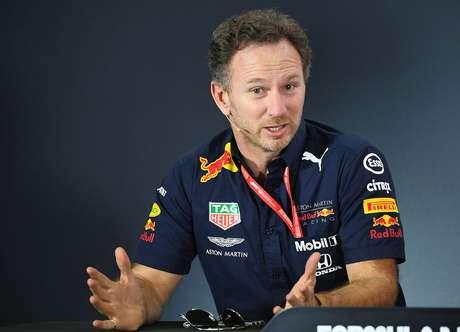 """Horner: Ferrari """"andou para trás"""" considerando os testes em Barcelona"""
