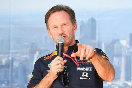 Horner lança dúvidas sobre o ritmo de corrida da Mercedes