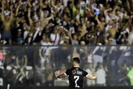 Rossi comemora seu gol durante partida entre Vasco X Avai válida pela terceira fase da Copa do Brasil 2019 no estádio de São Januário, zona norte da cidade, nesta quinta-feira (14/03).