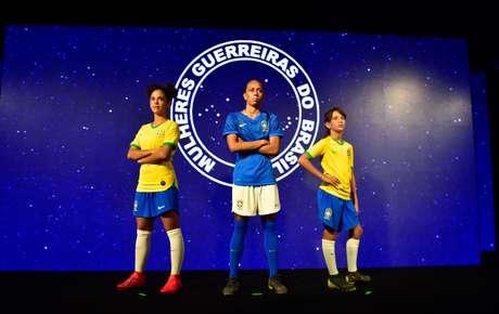 Lançamento do uniforme da seleção feminina de futebol, no Museu do Futebol, dentro do Pacaembu, em São Paulo (SP)
