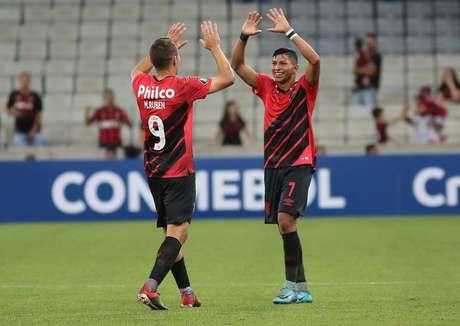 Comemoração do gol de Marco Ruben, do Athletico-PR, em partida contra o Jorge Wilstermann, válida pela segunda rodada da fase de grupos da Copa Libertadores, na Arena da Baixada, em Curitiba (PR) nesta quinta-feira, 14.