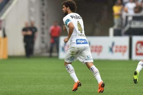 Lateral-direito ressalta atuação do Tigre (Foto: Ivan Storti/Santos)