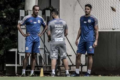 Luiz Felipe e Lucas Veríssimo estarão à disposição contra o Botafogo-SP, nesta quarta-feira (Ivan Storti/Santos FC)