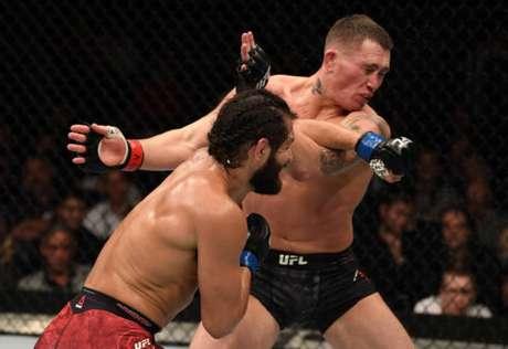Jorge Masvidal nocauteou Darren Till de maneira impressionante no UFC Londres (Foto: Getty Images)