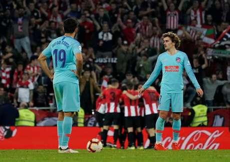 Jogadores do Atlético de Madrid lamentam gol do Athletico Bilbao