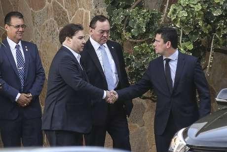 Presidente da Câmara dos Deputados, Rodrigo Maia, recebe o ministro da Justiça e Segurança Pública, Sergio Moro, para um café da manhã no dia de apresentação do pacote de alterações no Código Penal